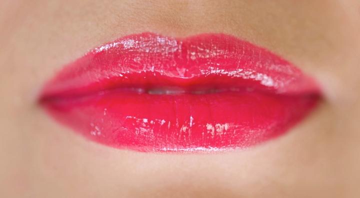 Dior wonderland lip swatch review