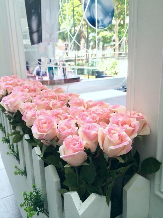 Genifique Roses