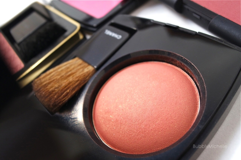 Chanel In Love blush Joues contraste
