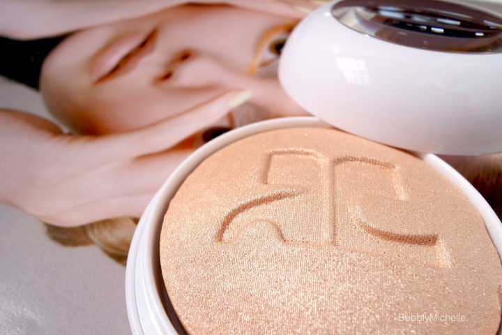 Illuminations face powder courreges