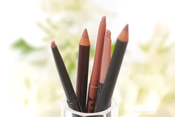 Nude lip liners
