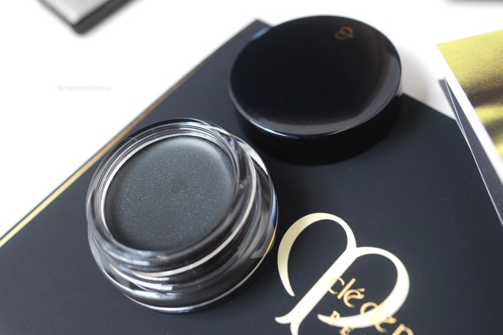 Cle de peau cream shadow